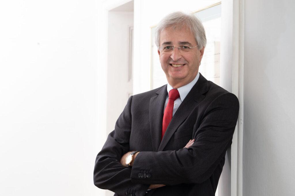 Portrait von Rechtsanwalt Dr. Michael Dyck.