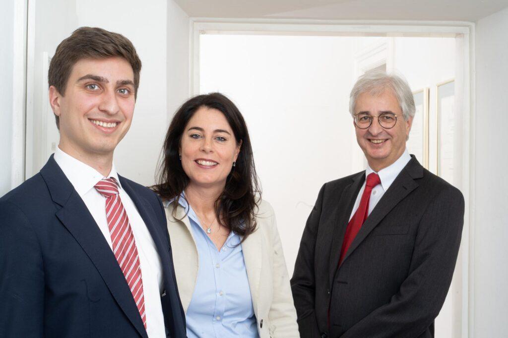 Gemeinsames Portrait der Rechtsanwälte Mag. Xavier Dyck, Dr. Christine Monticelli und Dr. Michael Dyck,